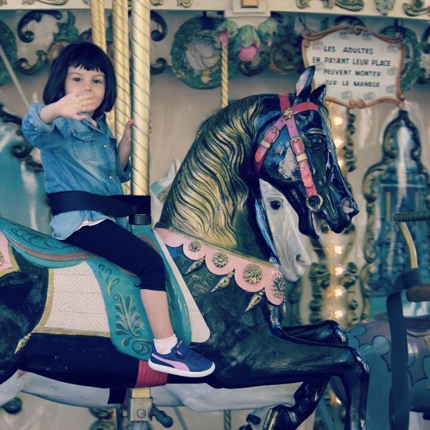 carousel caballo
