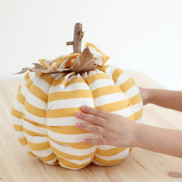 diy calabazas final manos
